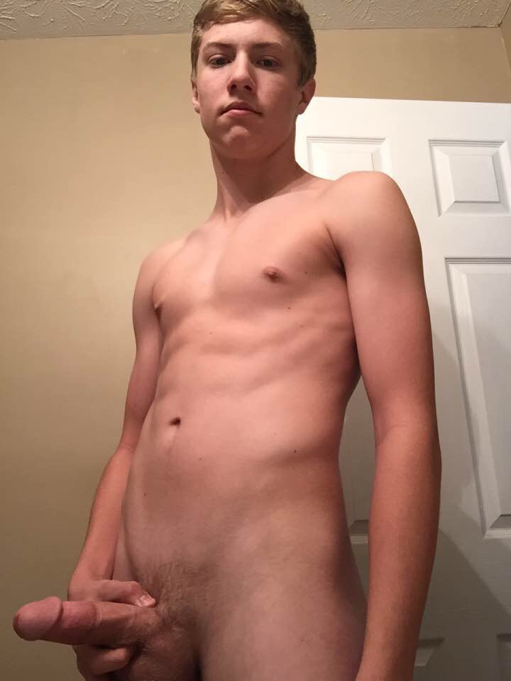 nude self shot gallery: young fit fuckboy shows off